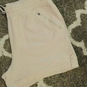 SALE $5 NWOT Stretchy Walking Shorts XXL